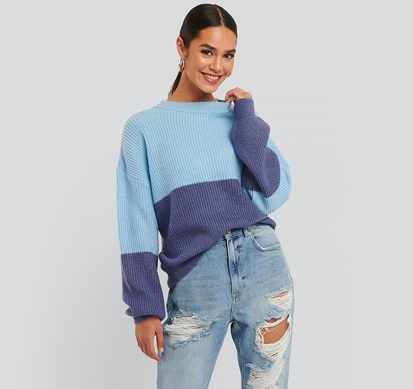 NA-KD Color blocked sweater / Blå