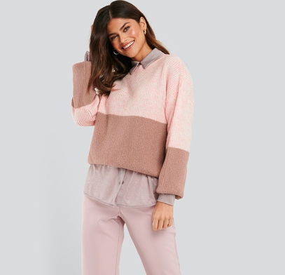 NA-KD Color blocked sweater / Rosa